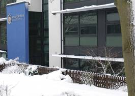 Institution featured at 70 percent quality 667 leamington centre in the snow20120906 2 sss40q