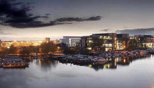 Advice full 594  brayford campus panorama shot evening uni lincoln